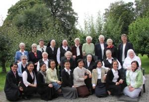 IMG_1078 Sr. Edel med kommuniteten festen dagen etter 9.8.2012
