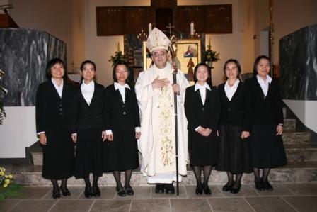 IMG_7562  1. løfter med biskop Berislav
