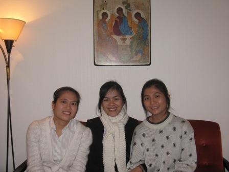 003 (3) våre tre kandidater Nimnette, Cecilie og Lucia rev.